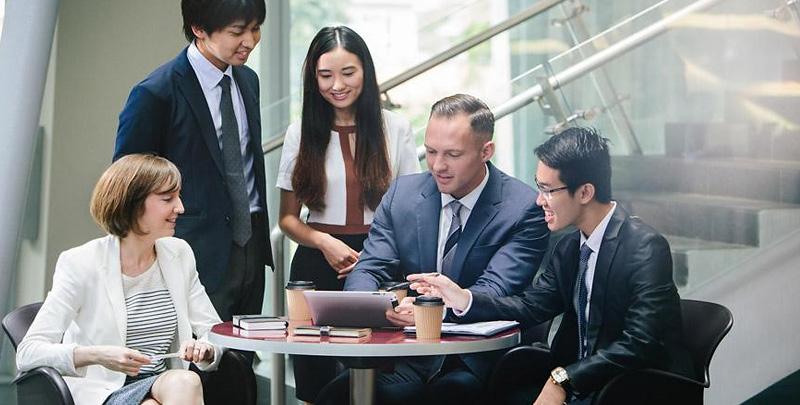 大量雇用を生み出す事業を展開し、世界のコグニティとなることを目指す。